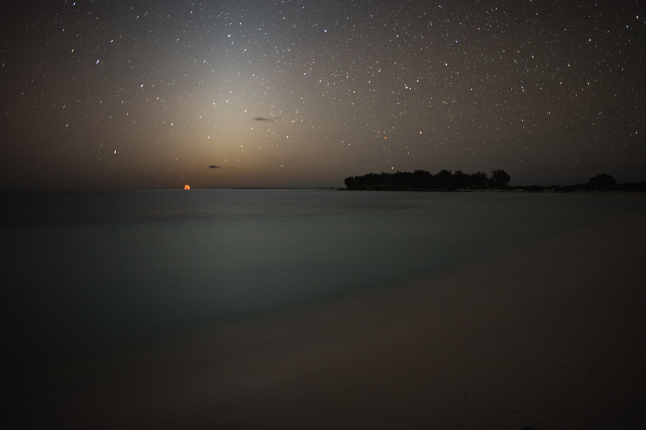 Moonrise over the horizon at Midway Atoll