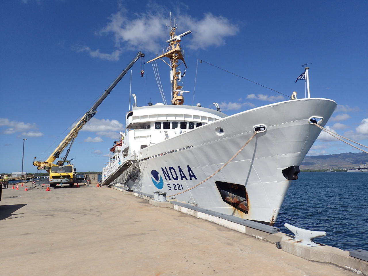 Leg three of our mission has ended and we are preparing for the fourth leg, which will take us up to the Papahānaumokuākea Marine National Monument. We are saying goodbye and thank you to the <i>Sette</i>, and moving onto the NOAA Ship <i>Rainier</i>. The <i>Rainier</i> came all the way from Alaska to help us out! The <i>Rainier</i> is a hydrographic survey vessel that maps the ocean floor, but they are taking a break from their mapping to assist in our survey mission. <i>Photo: NOAA Fisheries/James Morioka. </i>