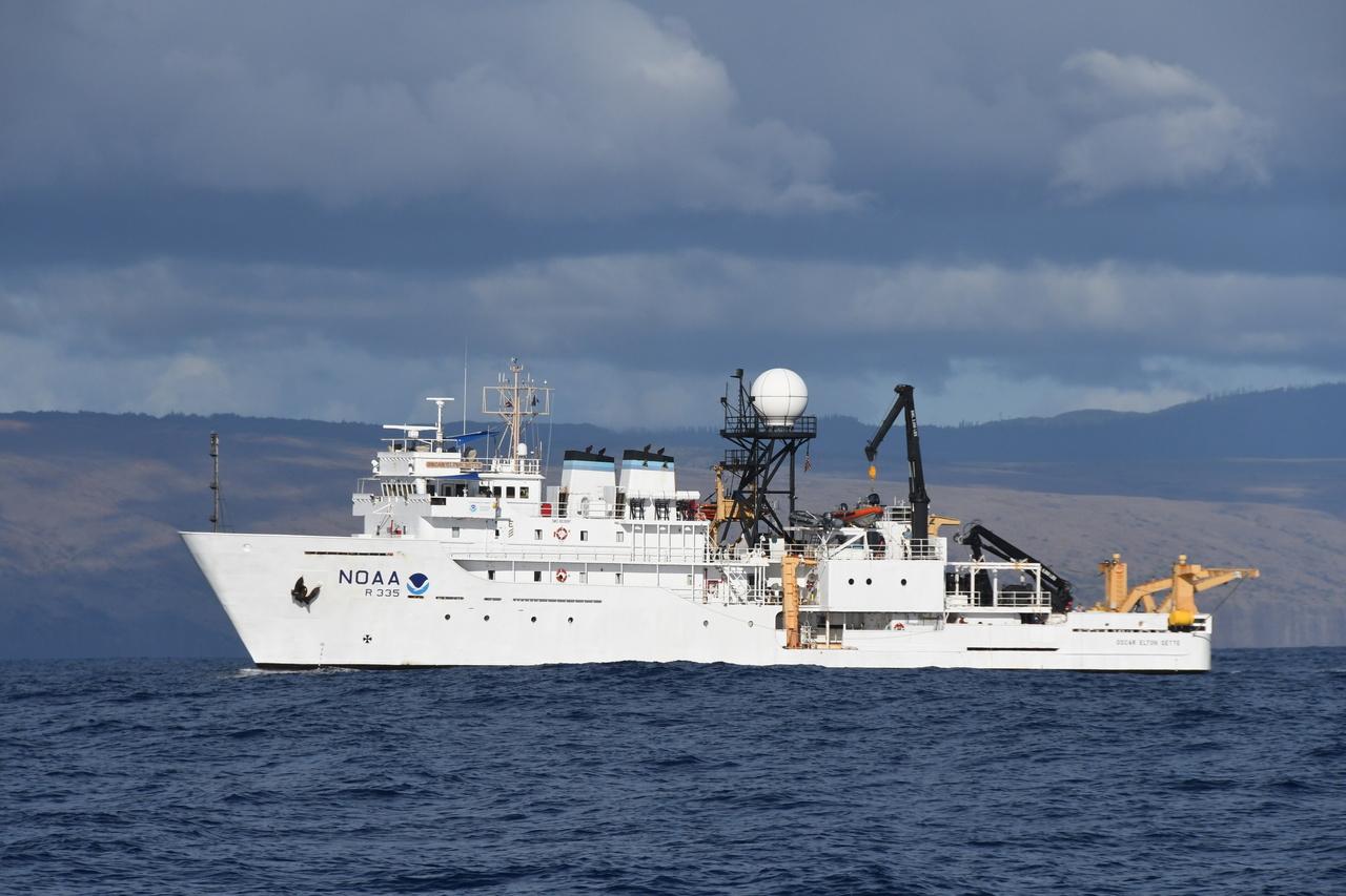 NOAA Research Vessel Oscar Elton Sette.JPG