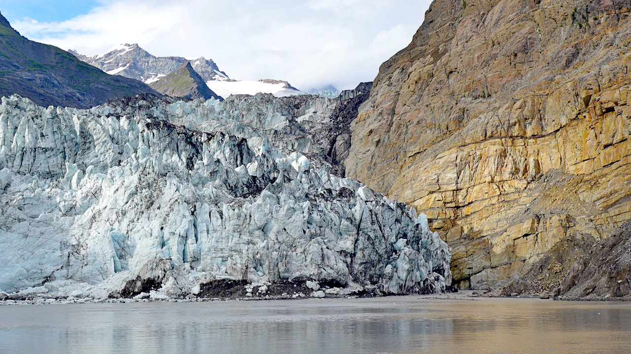 Tyndall Glacier in Taan Fiord, Alaska, is a modern day remnant of the glaciers that once flowed over the Gulf of Alaska. Photo Credit: Peter Haeussler, USGS.