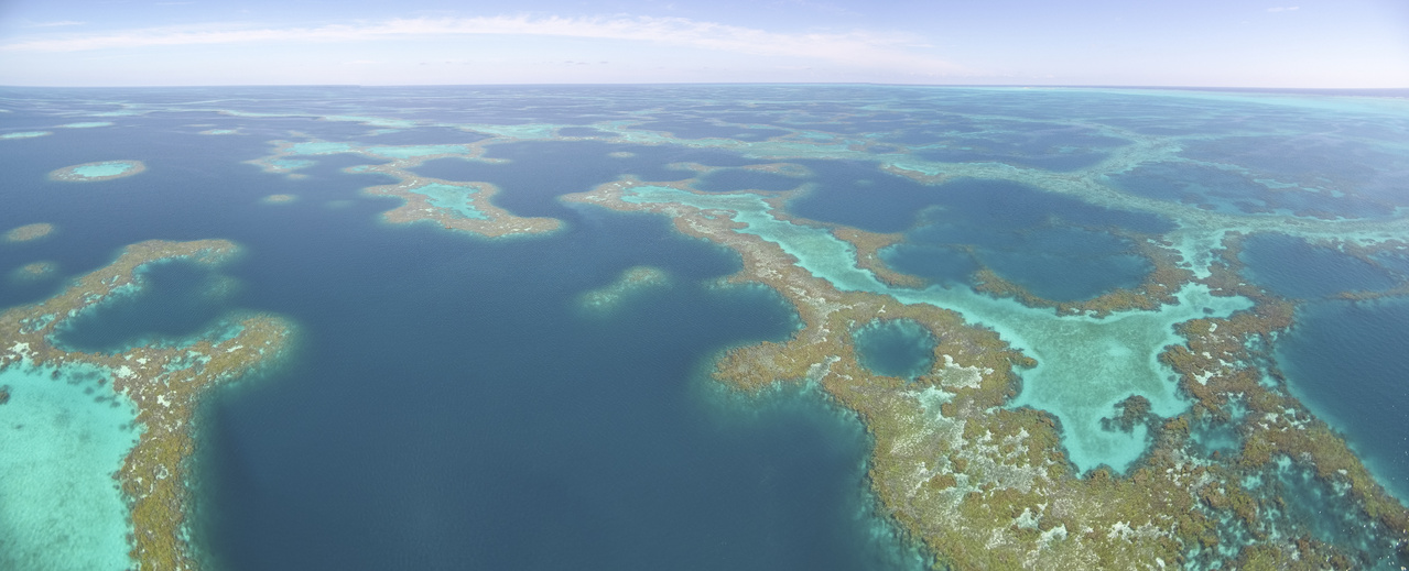 Maze of reefs at Pearl and Hermes Atoll