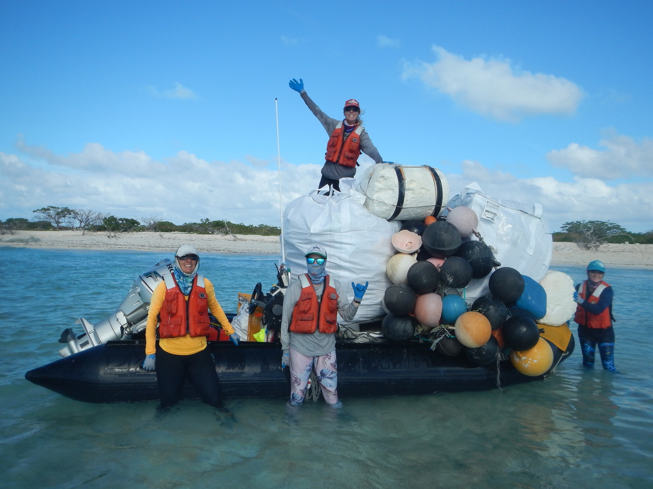 How much debris can a small boat take? Scientists tested their packing and organizing skills to pile a lot of debris on the small boat, and they have done a great job.