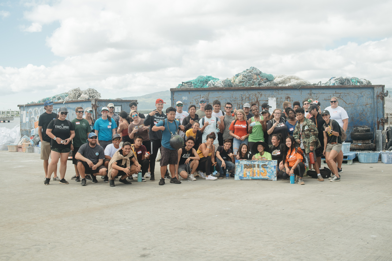 Students and teachers from Mililani High School with the marine debris team