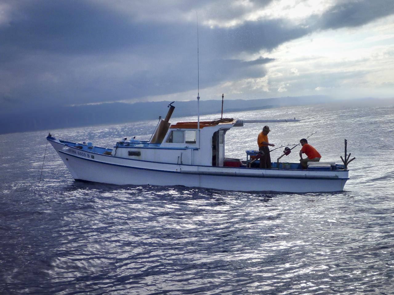 Sampan bottomfishing with Masa Ibata. Masa will be sharing his bottomfishing heritage in the coming weeks. Photo courtesy of Masa Ibata