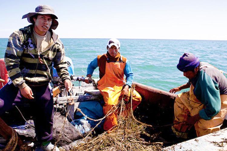 750x500-peruvian-fishermen-observers-NOAA-PIRO.jpg