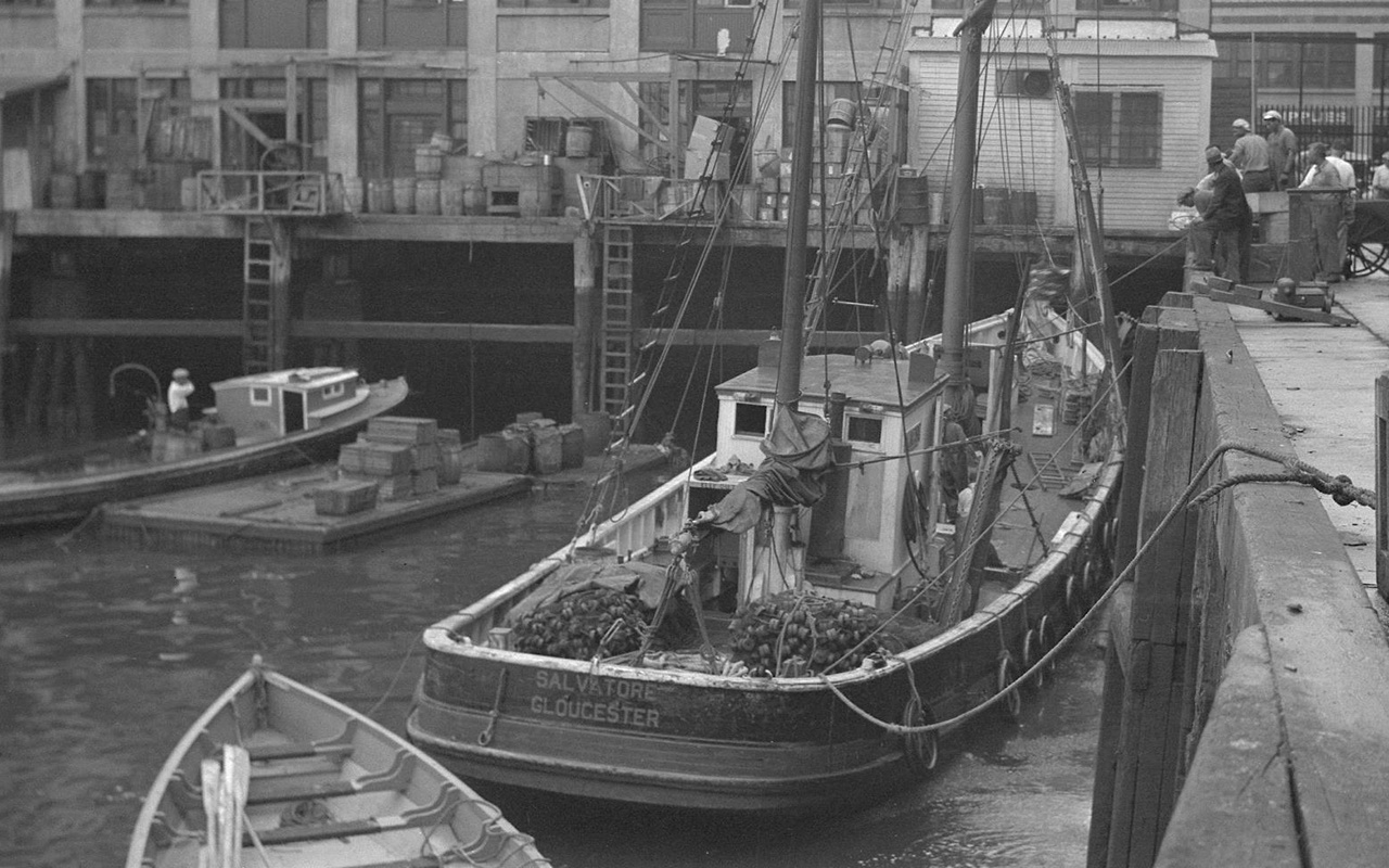 Boston fish pier in 1935, commercial fishing vessel Salvatore, side trawler.  Photo: Oscar E. Sette.
