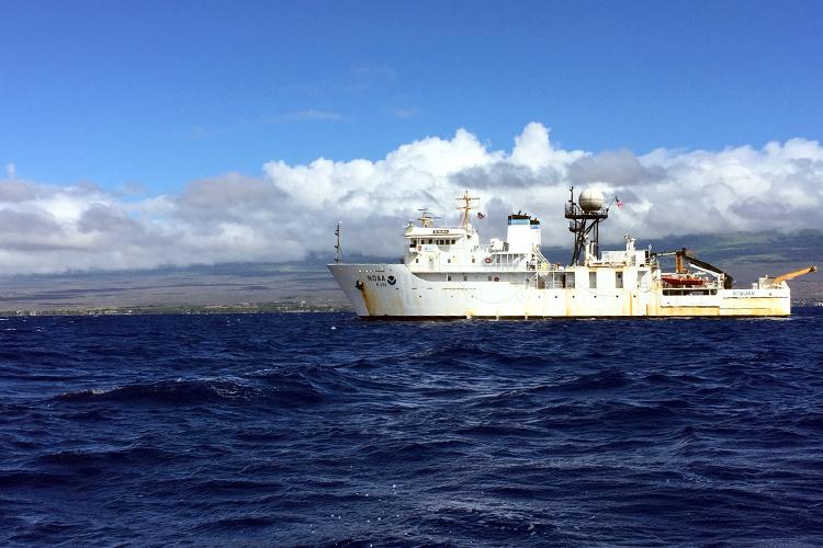 750x500-ship-hiialakai-hnl-NOAA-PIRO.jpg