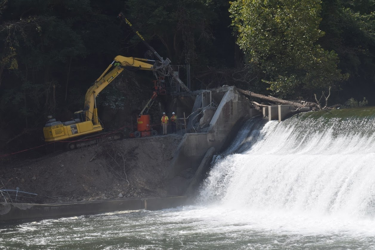 Machinery working to prep Bloede Dam for removal..JPG