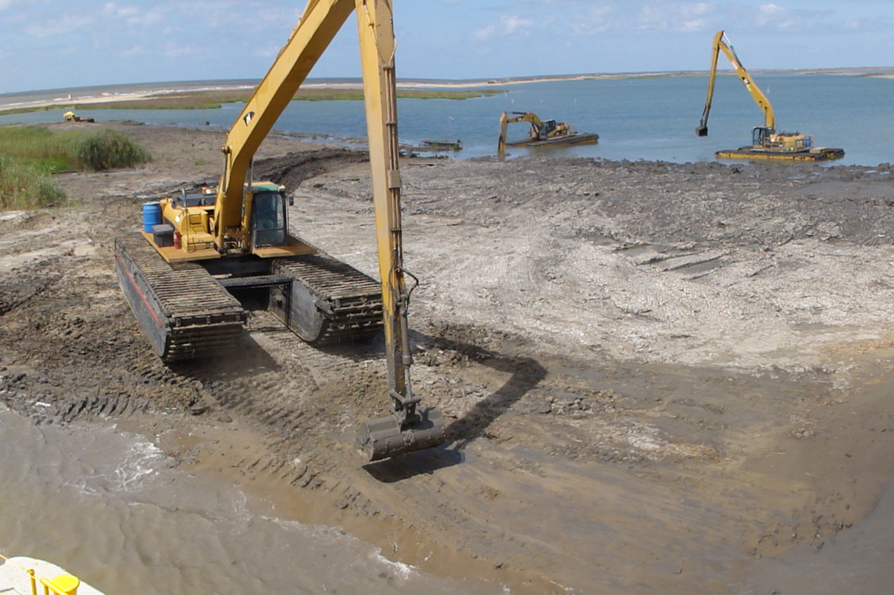 natural infrastructure barataria barrier island restoration 5.jpg