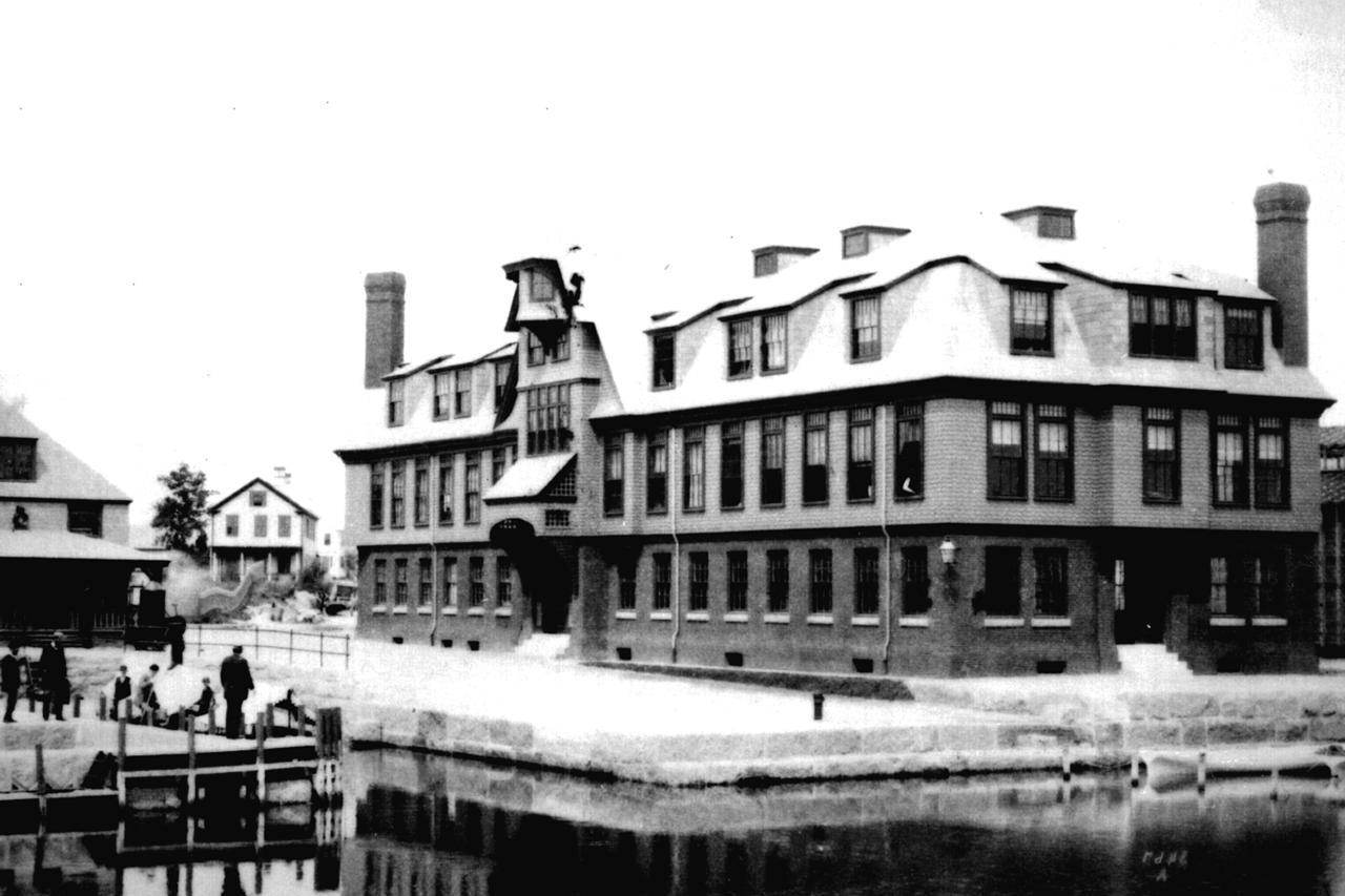 woods-hole-lab-1891.png