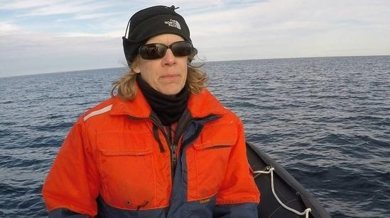Barb-Zoodsma-whale-boatwork-750x421.jpg