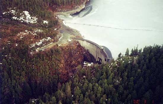 green-lake-dam.jpg