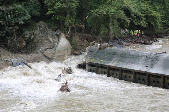 Blode Dam post breach zoomed to onlookers 3x2 Elevate Media Inc.jpg