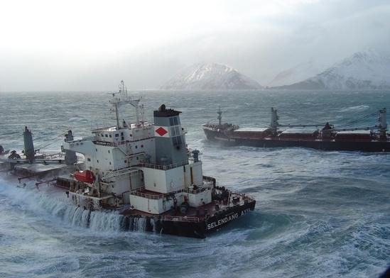 oil-spill-selendang.JPG