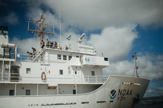 Students tour the NOAA Ship Sette