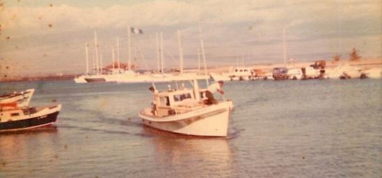 Sampan arriving at Maalaea Harbor, Maui in 1980 (Photo courtesy ofSalvador Santos)