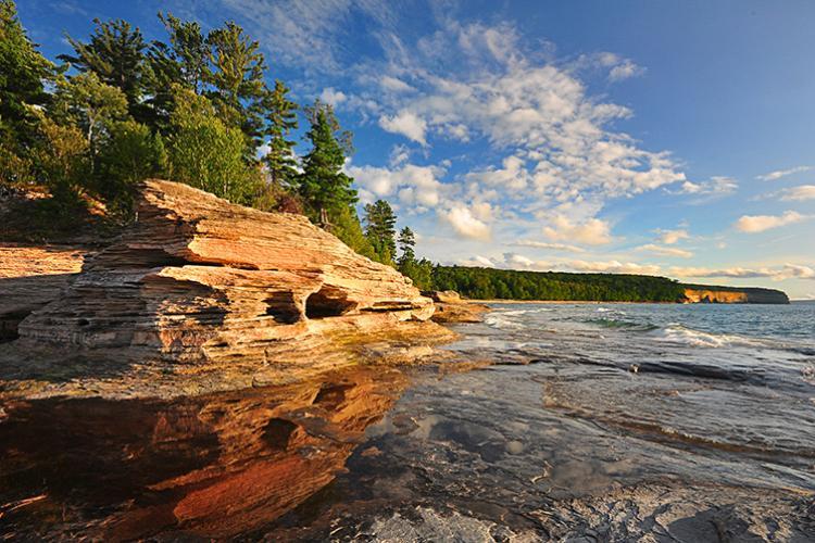750x498-mosquito-beach-Rocks-National-Lakeshore-NWS.jpg