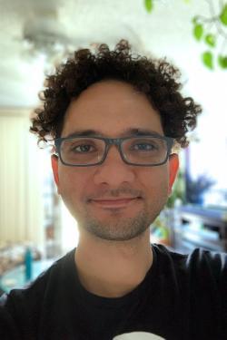 Selfie photo of science writer.