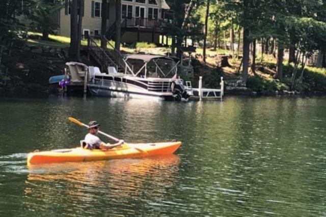 Enric Cortés kayaking at Lake Norris, Tennessee.