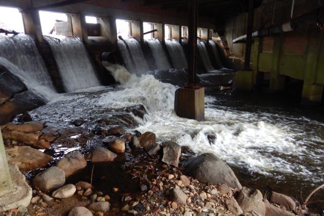 An image of the Monatiquot dam