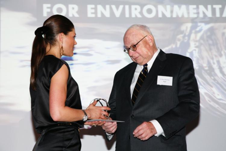 Ken receiving Sweden's Goteborg Award for Sustainable Development.