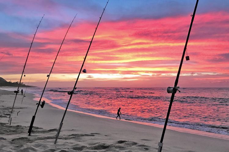 750x500-shoreline-fishing-hi-NOAA-PIRO.jpg