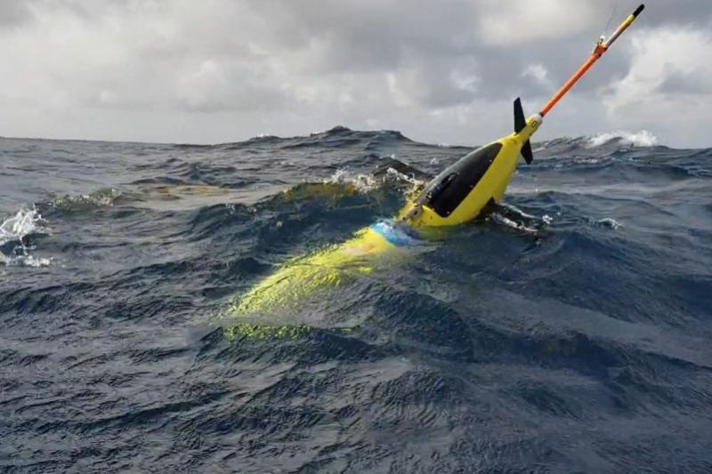 750x500-Ocean-glider-off-Puerto-Rico-NOAA.jpg
