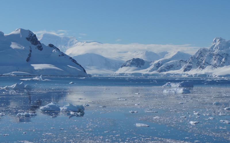 2950x1844-Antarctica-Landscape-SWFSC-2019-D.Krause.JPG