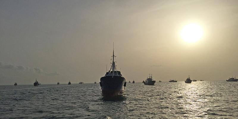 Ghana-ships-at-sea-OLE.jpg