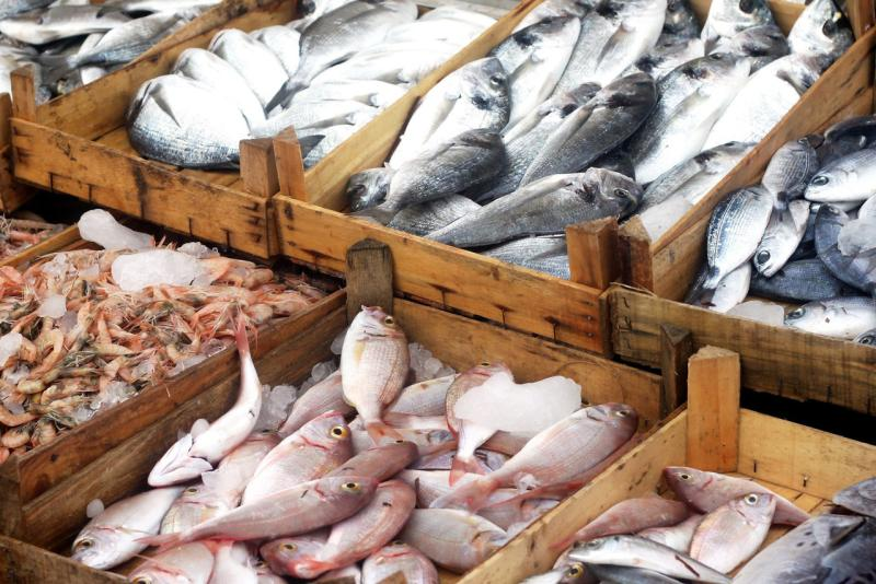 shutterstock-seafood-display-in-market-750x500.jpg